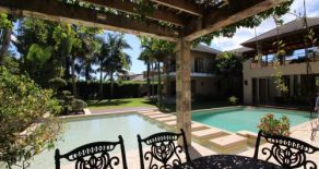 Beautiful Villa with 6 bedrooms in a gated beach front community